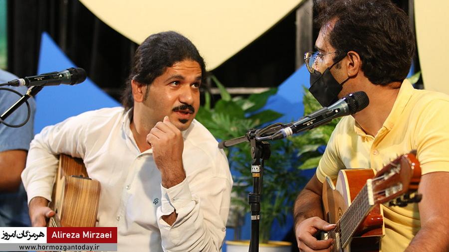اجرای موسیقی گروه معبد در شب چهارم ویژه برنامه هفته هرمزگان